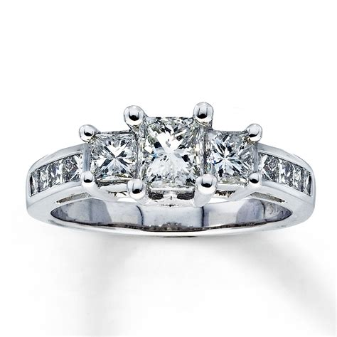 three princess cut engagement ring 171 diamantbilds