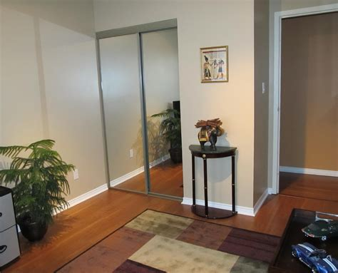 Menards Sliding Closet Doors Mirrored Sliding Closet Doors Menards Roselawnlutheran
