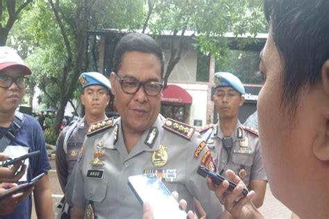 Merk Parfum Terkenal Dan Harga polisi amankan produsen dan penjual parfum palsu merek