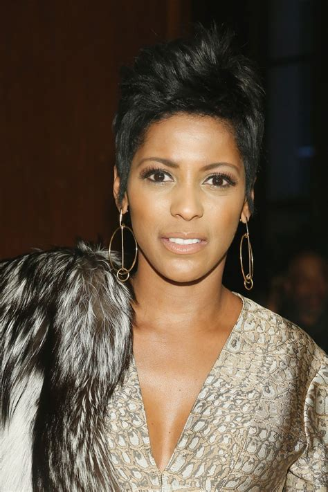 tameron hall 2016 new haircut tamron hall in sophie theallet front row fall 2016 new