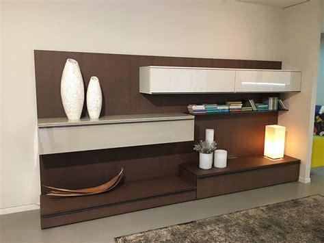 pareti attrezzate con scrivania pareti attrezzate soggiorno con scrivania mobili per