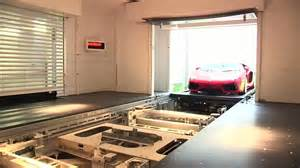 Garage With Lift For Rent by Singapore Apartment Comes With Automatic Glass Lift For