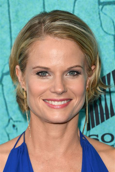 pics of joelle carters hairstyle joelle carter justified and fearless season premiere in
