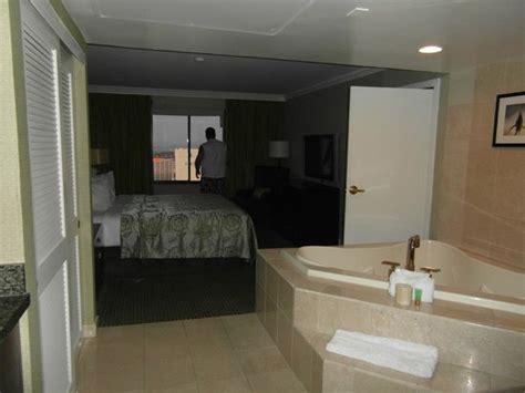 excalibur 2 bedroom suite 1 bedroom parlour suite picture of excalibur hotel