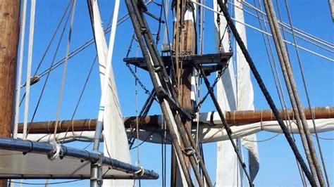 barco pirata barcelona alquiler de barco pirata para eventos en barcelona team