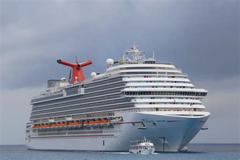 Restraining Order Records 6 600 Passengers Carnival Orders Record Setting Lng Powered Cruise Ships