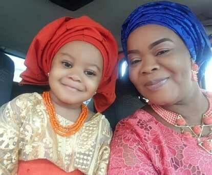 TOP NOLLYWOOD ACTRESS BIMBO OSHIN STEPS OUT WITH HER