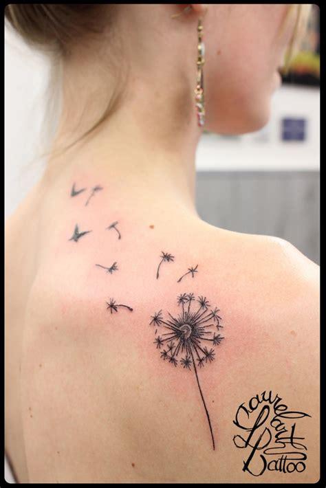 laurelarth tattoo tatouage region lyonnaise pissenlit omoplate
