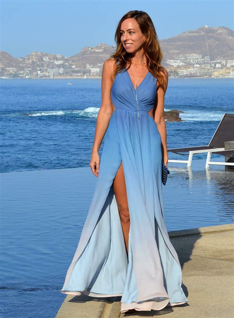 Sydne Style gives wedding guest dress codes for beach chic