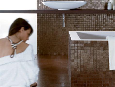 weiße badezimmerboden fliese ideen badezimmer design mosaikfliesen