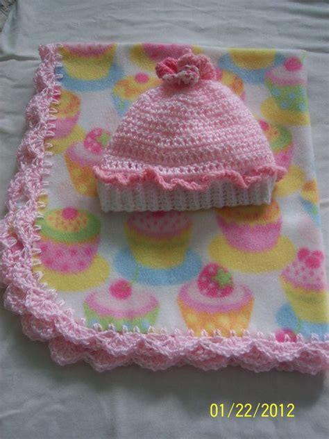 Fleece Baby Blanket Selimut Bayi 2 pretty pink cupcake fleece baby blanket by treasuresbycharlotte 20 00 for catie
