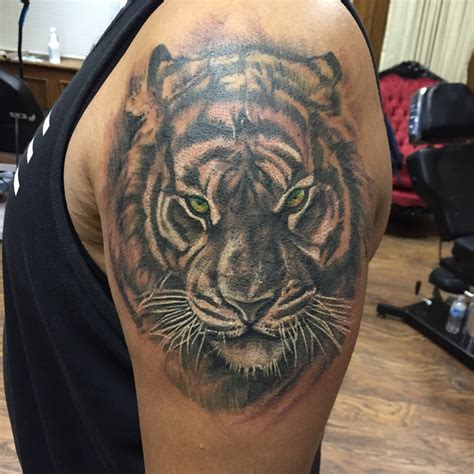 tattoo black and grey with color black and grey tiger sleeve tattoo www pixshark com
