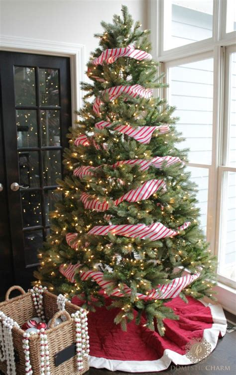 step by step guide to decorating your christmas tree