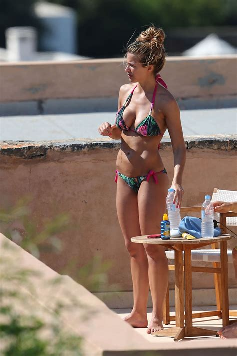 Gemmas Adventures In Shopping What Your City Says About You by Gemma Atkinson Candids 30 Gotceleb
