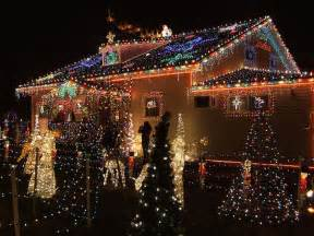 Outdoor christmas lights house decorating ideas1