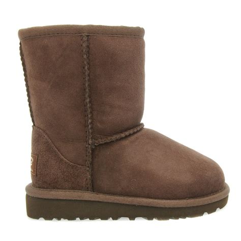ugg boots for toddlers buy ugg 174 toddler chocolate classic boots at hurleys