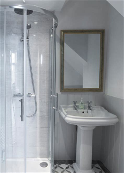 ensuite bathroom dimensions size of ensuite bathroom 28 images 1000 ideas about small master bath on master