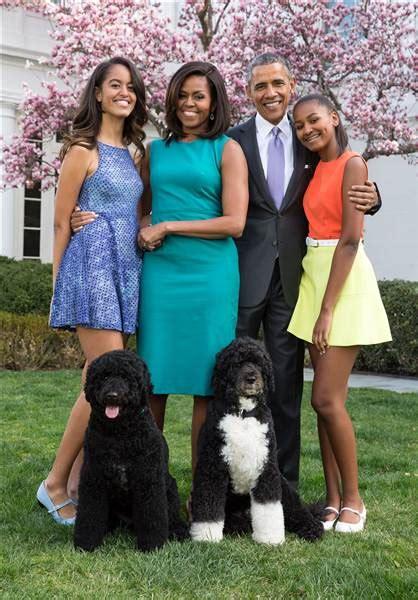 biography barack obama family president obama pens essay white house made family life