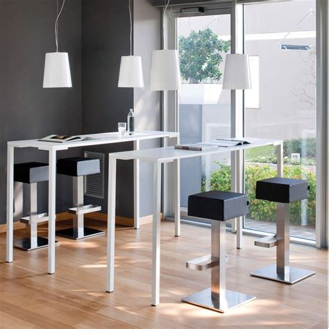 tavolo con sgabelli togo h per bar e ristoranti tavolo alto per bar o
