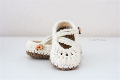 crochet pattern too cute mary janes crochet baby mary jane slippers free patterns crochet