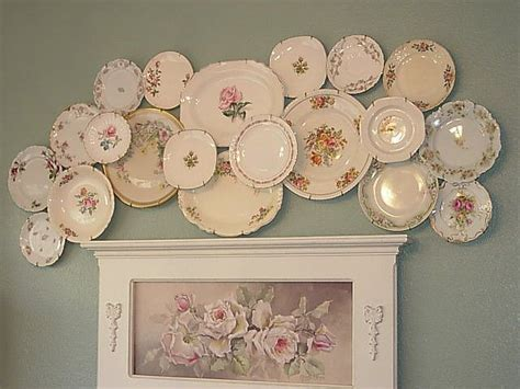 How To Decorate Dinner Plates by This Vintage Plate Collage I M So Blue