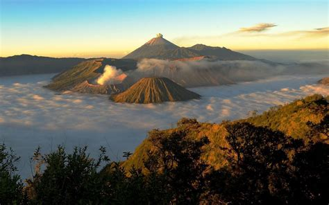 nature bromo volcano  sunrise java indonesia desktop