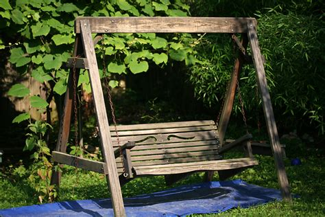 wooden swing bench iamtonyang com