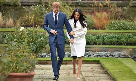 meghan markle to spend christmas with prince harry royal meghan markle to spend christmas with royal family at