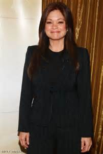 how to get valerie bertinelli current hairstyle photos of valerie bertinelli latest hairstyle hairstyle