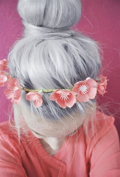 granny hair trend young women  dyeing  hair