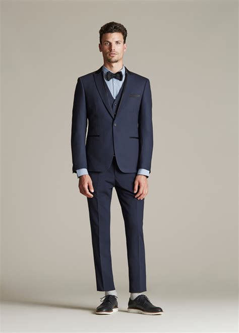 necktie or bow tie with hired suit black jacket suiting