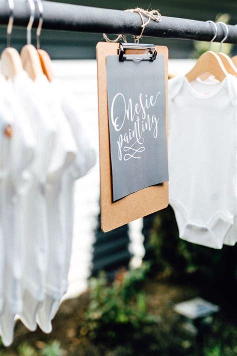 Onesie Painting Baby Shower by Best 25 Onesie Decorating Ideas On Diy