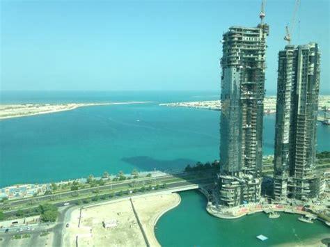 hotel abu dhabi corniche uitzicht vanuit de kamer picture of sofitel abu dhabi