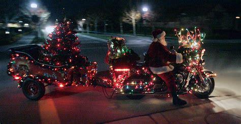 harley davidson motorcycle christmas lights snapshots santa s got a new ride