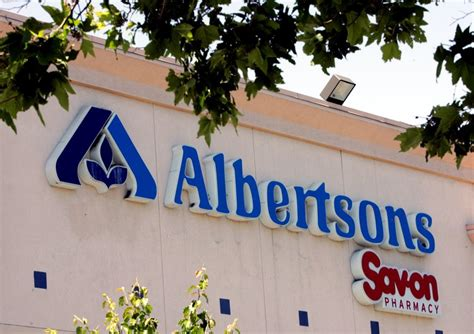 albertsons looks into the future and sees organic bananas