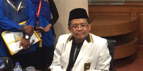 biografi fahri hamzah pks presiden pks sikap politik fahri hamzah itu pribadi dia