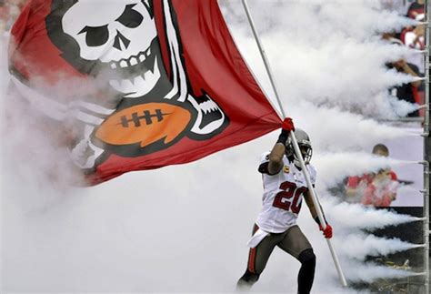 Looks Like About 89 Fans Showed Up To Watch The Buccaneers Ta Bay Buccaneers Adam Gaine