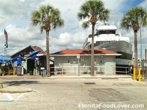 the best lunch picture of bait house clearwater