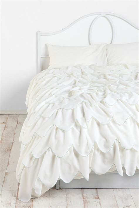 ruffled bed comforters best 25 ruffle duvet ideas on pinterest grey comforter