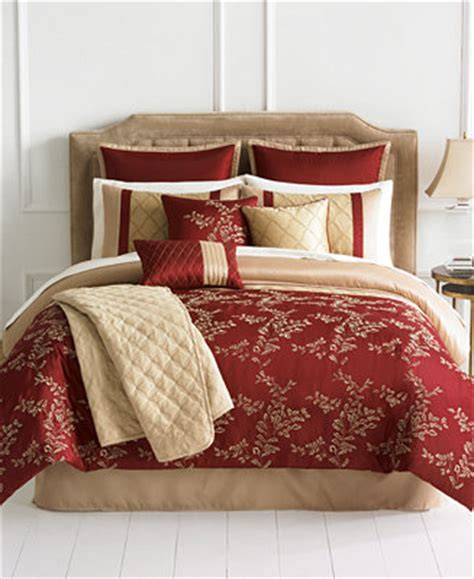 closeout emerson 10 piece queen comforter set bed in a