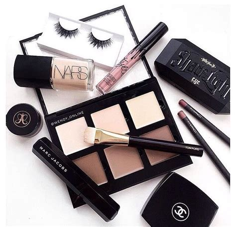 Make Up Chanel Sepaket 25 best ideas about make up products on makeup products list makeup and