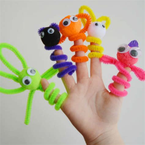 pipe cleaner crafts for 10 easy pipe cleaner crafts