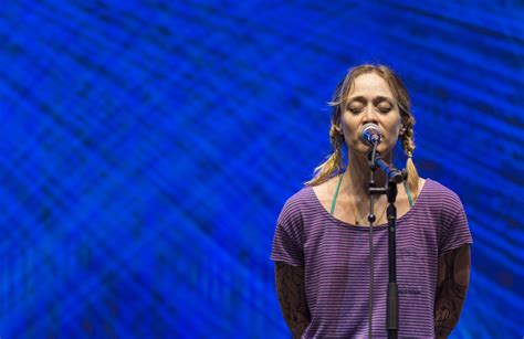 fiona apple fiona apple wallpapers backgrounds
