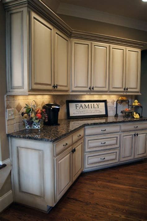 Antique White Glazed Kitchen Cabinets Antique White Kitchen Cabinets After Glazing Jpg Home Living White Appliances