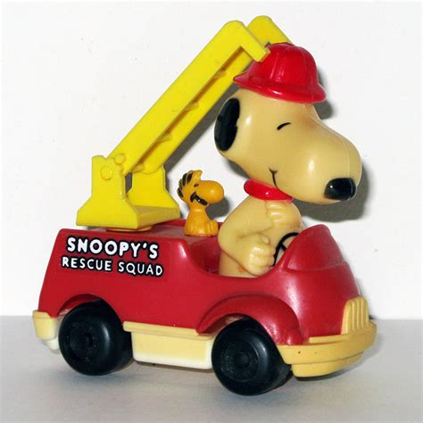 push pull turn truck to the rescue books snoopy fireman in rescue squad firetruck push n pull car