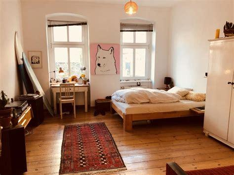 schlafzimmer einrichtungen ideen m sch 246 nes wg zimmer mit kleiner arbeitsecke neben dem
