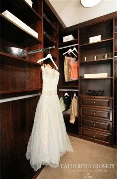 the valet rod traditional closet by