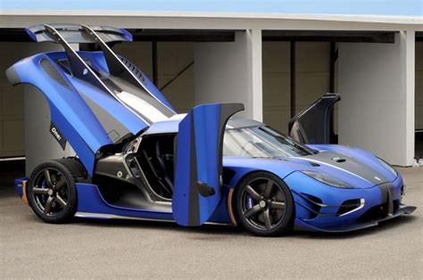 blue koenigsegg one 1 check out this matte blue koenigsegg one 1