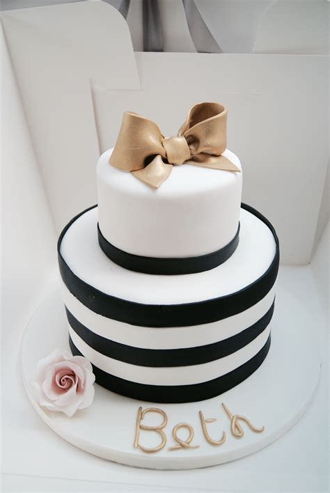 birthday cake cakes bexley hall  cakes