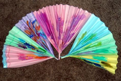 Japanese Paper Fan Craft - you can decorate your japanese fan with traditional